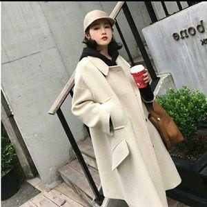 Over size cream white winter coat